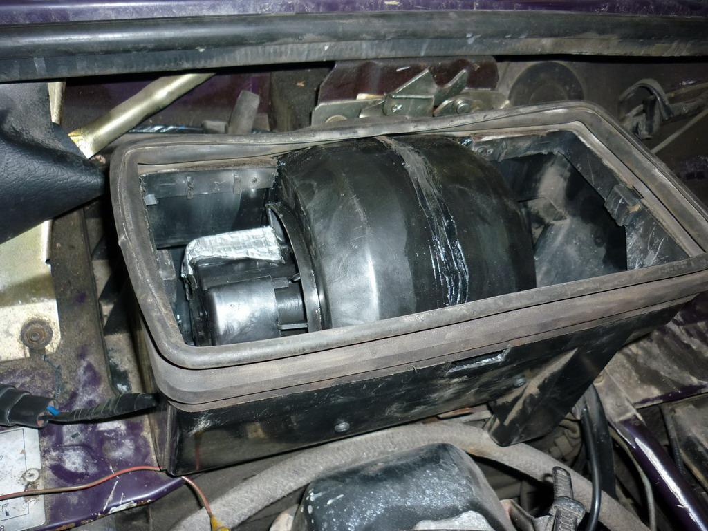 Установка вентилятора печки (отопителя) от восьмерки (2108) на Ниву