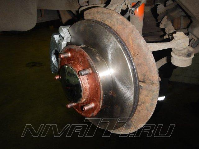 Передние вентилируемые тормоза на Ниву (4)