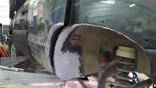 Доработка кузова (резка арок) Шевроле Нивы для установки 31-х колес (13)