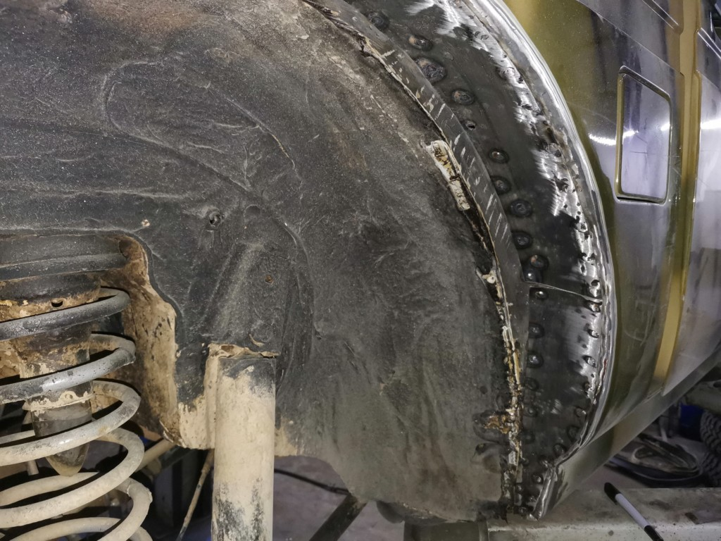 Доработка кузова (резка арок) Нивы для установки 31-х колес (5)