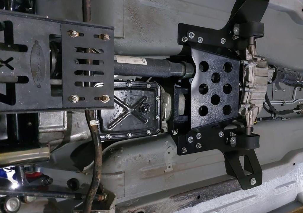Установка моноблока КПП+РК наНива и Lada Niva Legend (15)
